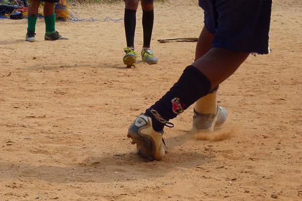 """Fotografia de Natanael, 12 anos, selecionada para o concurso """"Os Impactos socioeconômicos do futebol"""""""