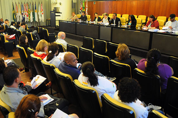 """""""Está claro que quem deveria garantir os direitos básicos não o faz: o Estado. A democracia está falhando no Brasil"""", declarou Rosa Maria."""