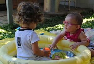 """""""As crianças já se sentem como irmãos, e com isso nos tornamos uma família.""""   Crédito: Reprodução"""
