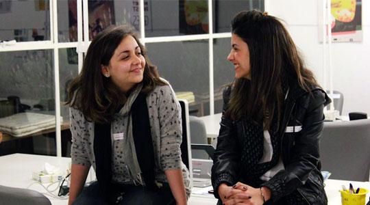 Camila (esq.) e Anna (dir.)