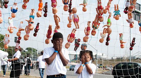 No Dia Internacional de Combate ao Abuso e Exploração Sexual de Crianças e Adolescentes (18/5), crianças participam de ato no Itaquerão,