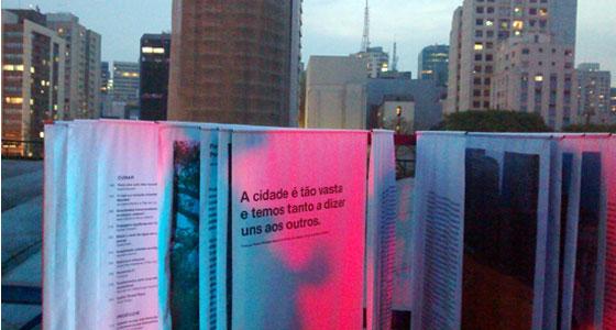 """O livro """"Urbanismo Ecológico"""" foi exposto integralmente na cobertura do Centro Cultural São Paulo."""