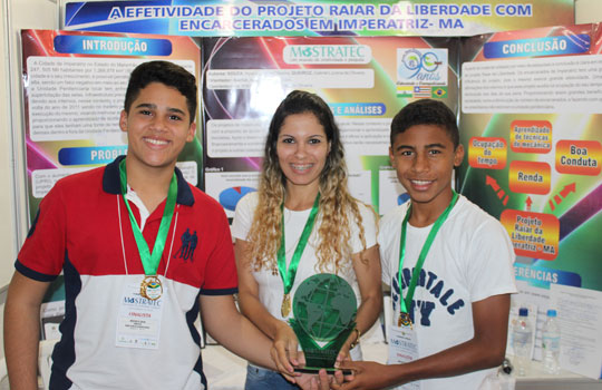Hyan Lucas, Annie e Gabriel representarão o Brasil em feira de ciência jovem no México.