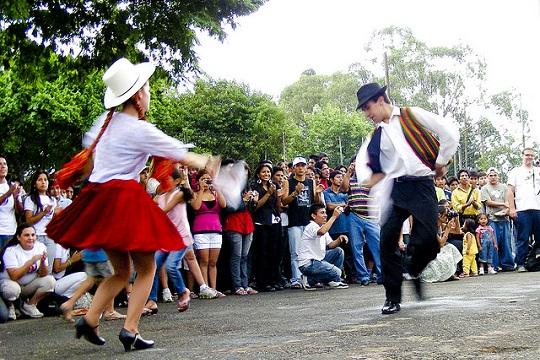 Bolivianos já são a segunda maior comunidade estrangeira de São Paulo - atrás apenas dos portugueses.