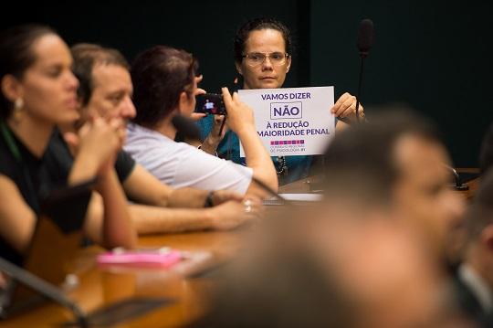 Diversas entidades da sociedade civil apresentam argumentos contrários à PEC 171/93.