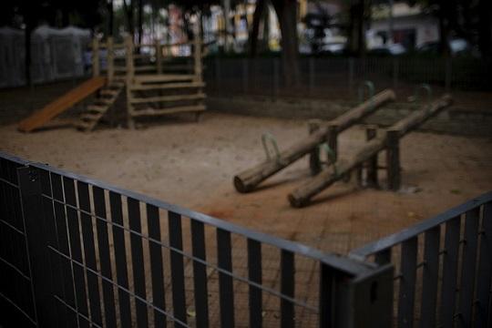 No Brasil, espaços públicos dedicados à infância raramente propõem algo inovador.