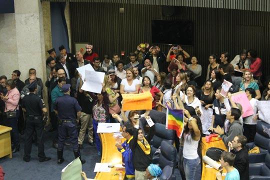 Discussões acirradas sobre gênero e sexualidade marcaram o debate sobre o PME na Câmara paulistana.