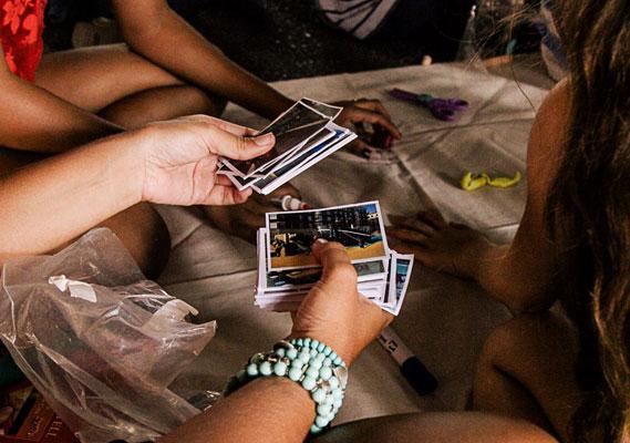 Cidade para crianças: Trocando figurinhas: cards da SP Urbanismo ajudaram as crianças a imaginar outro viaduto.