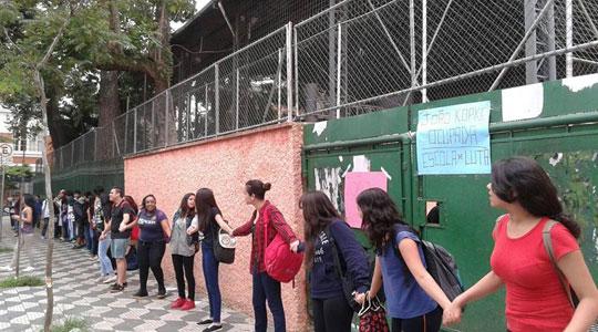 Até o momento, 38 escolas estão ocupadas em todo o Estado de São Paulo. Muitas delas promovem atividades culturais abertas para a comunidade.