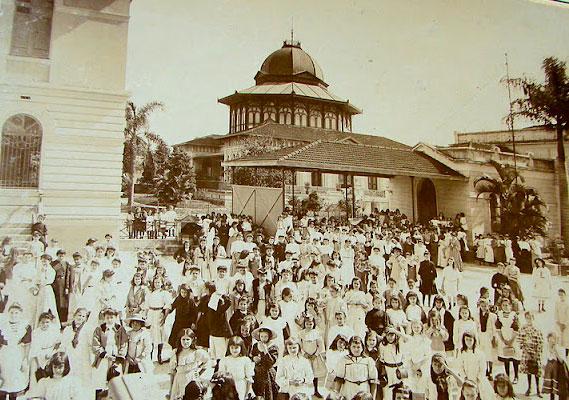 Estudantes da escola em 1930.