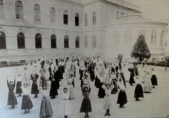 Aula de Educação Física em 1933.