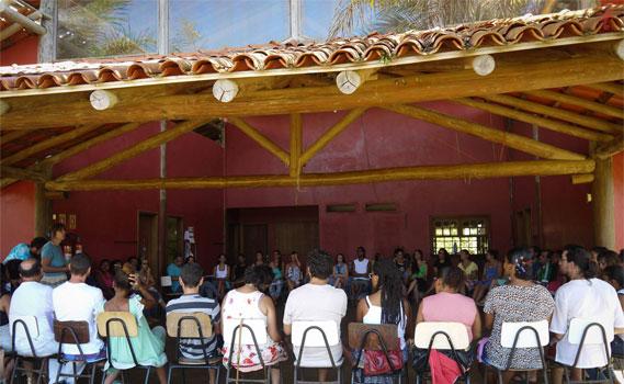 Assembleia geral convoca território na Escola Rural Dendê da Serra;