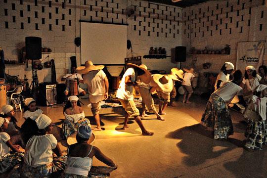 Fundado em 2007, o Instituto Ibaô é fruto de uma prática tradicional que remete ao início dos anos 1980 na Vila Padre Manoel da Nobrega, em Campinas.