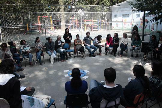 Docentes discutiram a formação histórica da Praça da República e promoveram intervenções urbanas em um dos espaços públicos centenários da capital paulista.