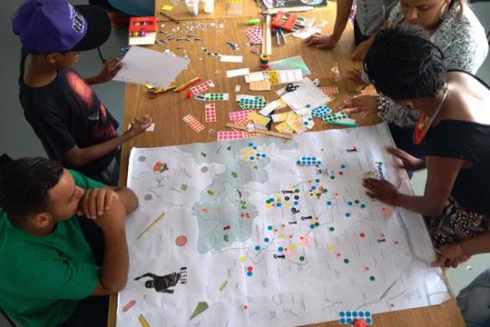 Desde mobilizações comunitárias até políticas públicas, participação social é um aspecto cada vez mais fundamental na constituição de Cidades Educadoras.