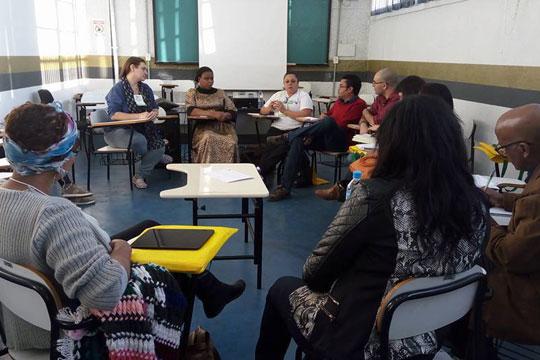 Mesa discutiu os desafios do atendimento à população migrante no centro de SP.