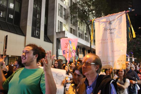 Caminhada congregou participantes de todas as idades.