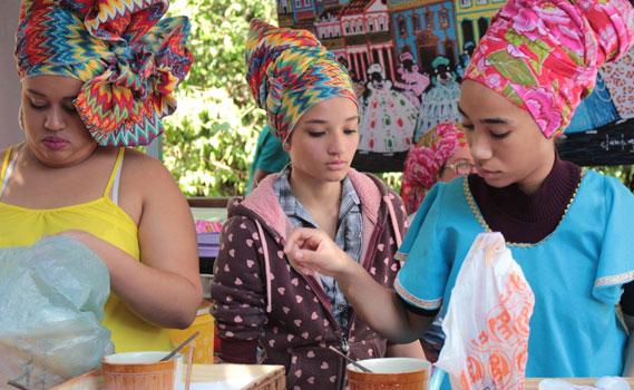 Alessandra conta que a questão dos turbantes têm sido objetivo de oficina e estudos na Casa de Cultura.