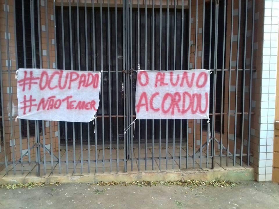 No Paraná já são 850 escolas ocupadas desde o início do movimento.