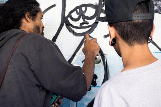 O Portal Aprendiz conversou com artistas de rua para entender como eles analisam o cenário de conflito que está se instaurando na arte urbana de São Paulo.