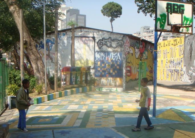 Niggaz: o grafiteiro que virou praça na praça que foi escola