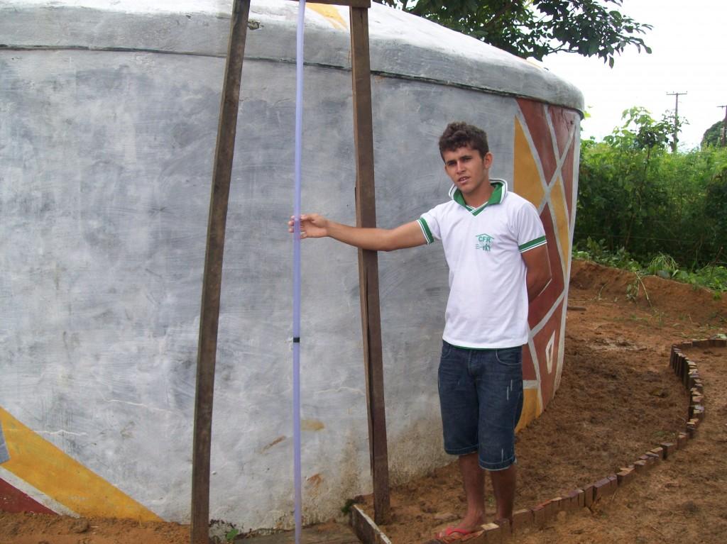 No primeiro ano de transformação  da CFR, a comunidade escolar construiu caixas d'água e supriu o problema hídrico da escola