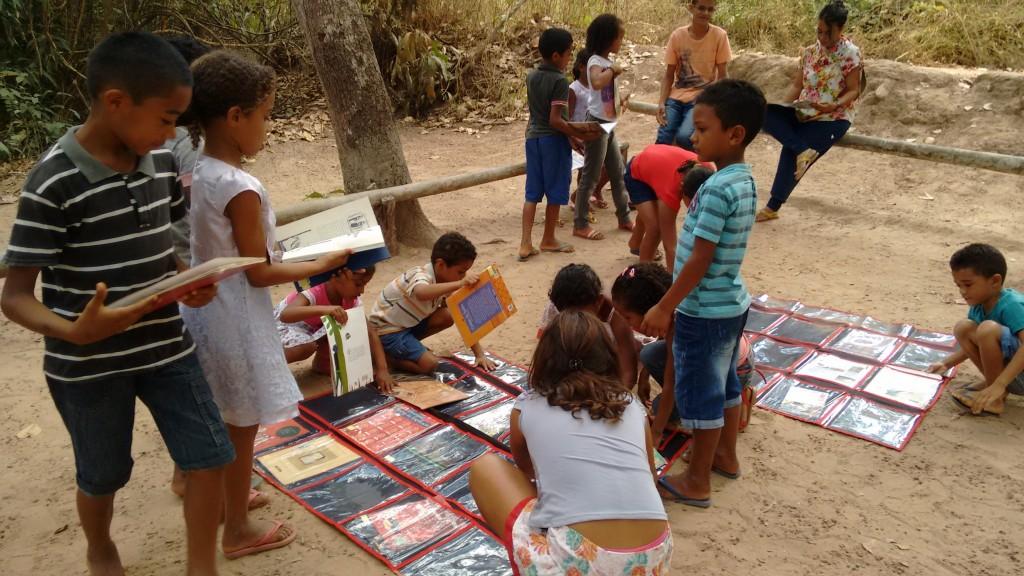 A biblioteca itinerante proposta pelo projeto na CFR impacta toda a comunidade