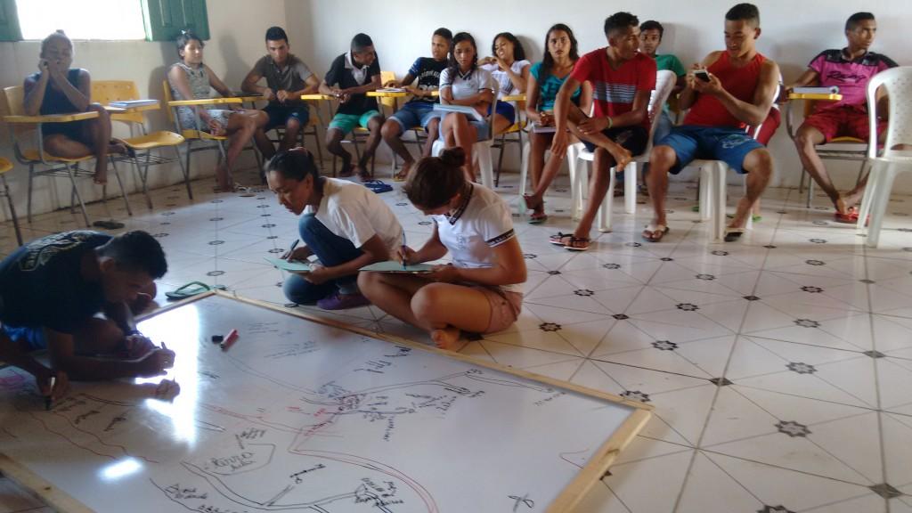 Alunos agora realizam oficinas de leitura em suas comunidades