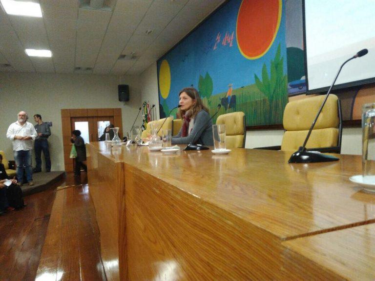 Agda Sardenberg foi uma das debatedoras do Fórum de Educação Integral para uma Cidade Educadora