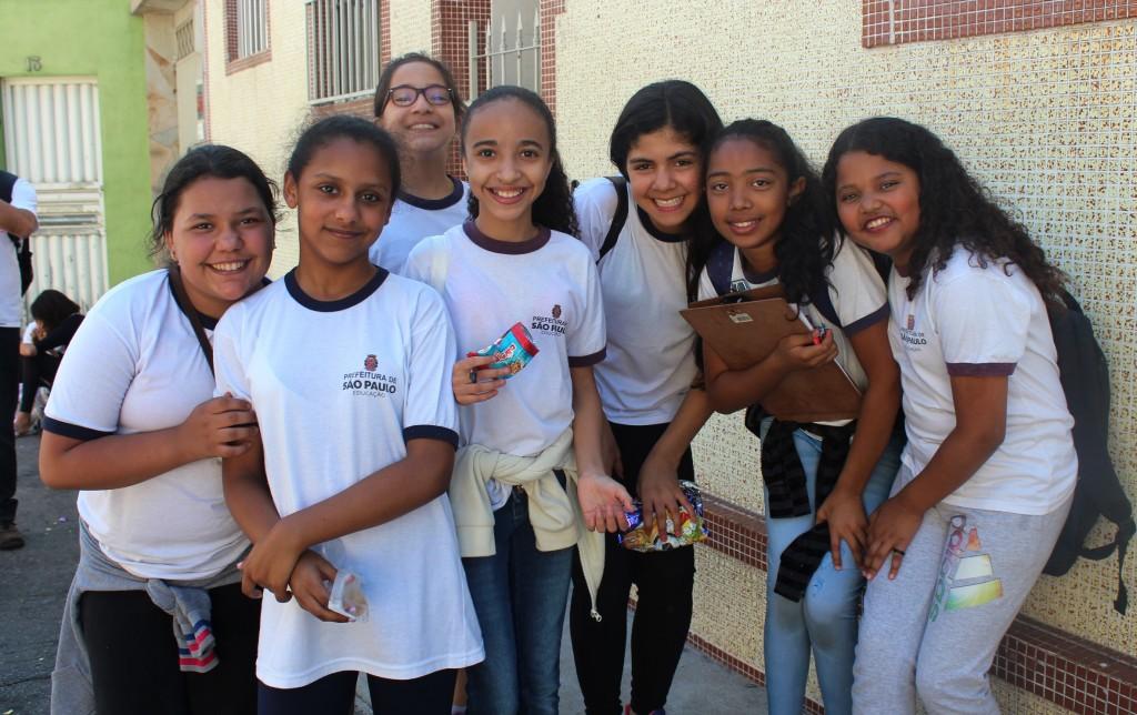 """Projeto """"O Migrante mora em minha casa"""" trabalha migração, trabalho escravo e explora o entorno da escola"""