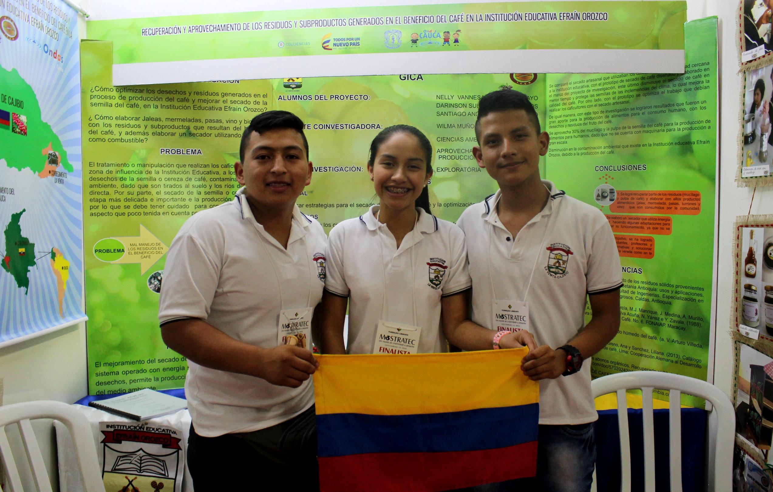 Estudantes colombianos apresentam alternativas para o manejo do café na Mostratec