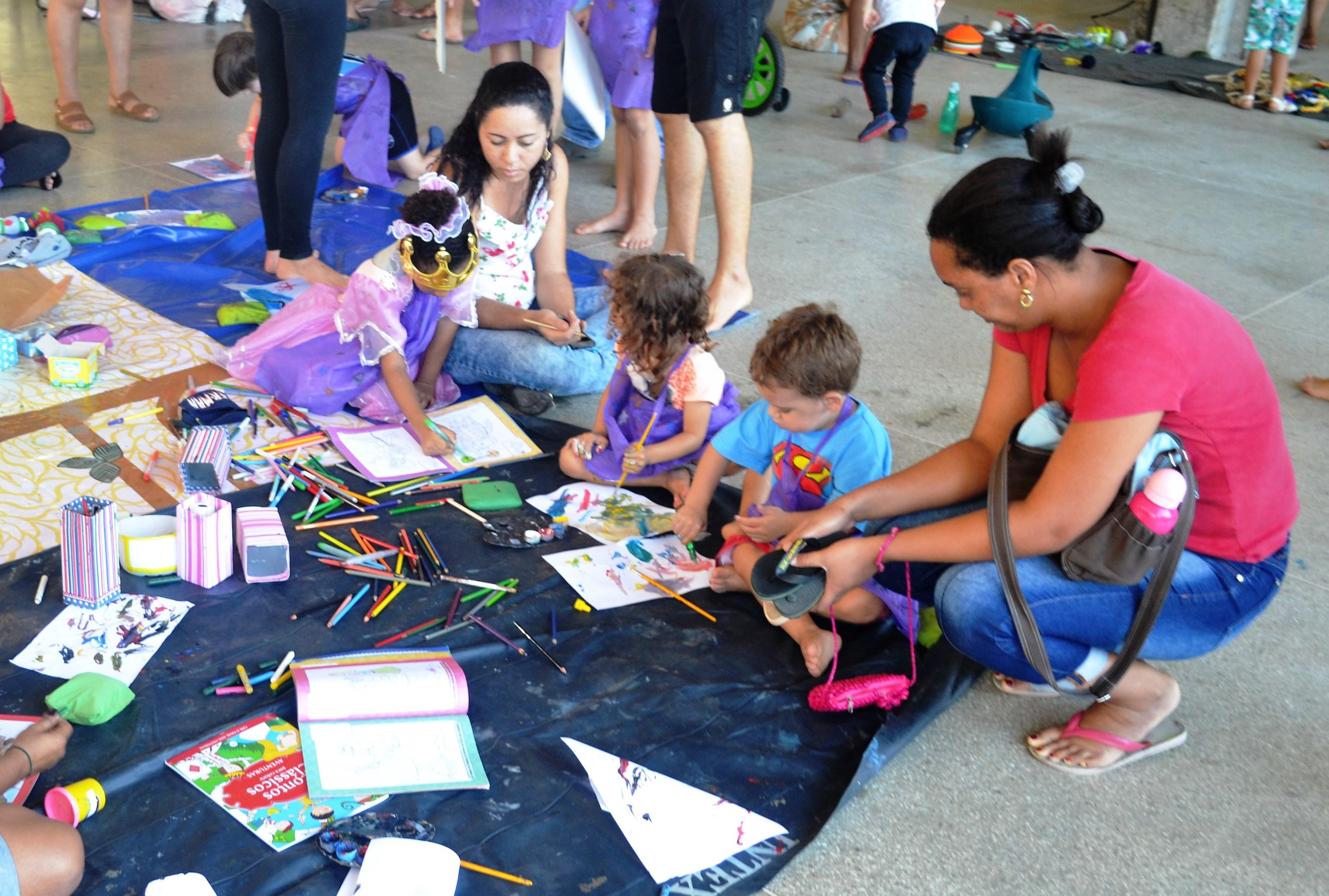 A edição de outubro do Crianças na UFBA reuniu cerca de 300 crianças com suas famílias para brincar na Universidade