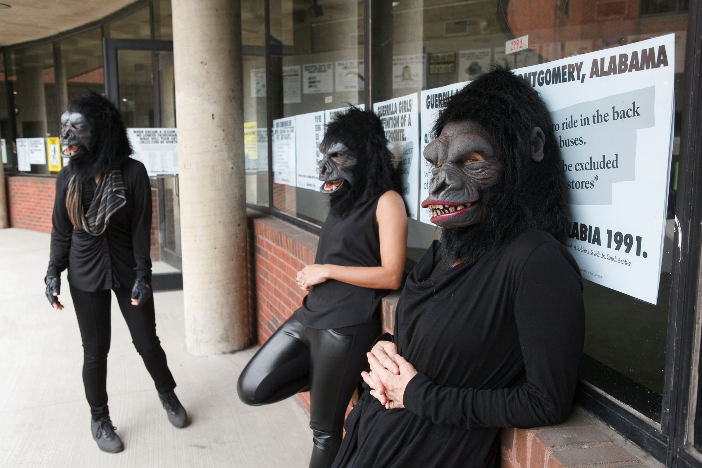 Guerrilla Gurls, que questionam disparidades de gênero na arte, estão em exposição no MASP até fevereiro de 2018