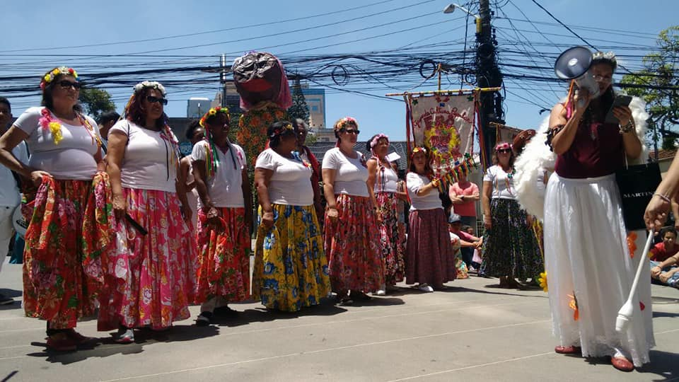 Apresentação do grupo Frô de Chita, que vai compor o time de educadoras do BrincaCEU