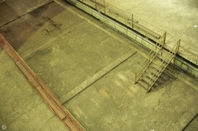 espaço vazio de estação abandonada de metrô