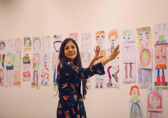 """""""Quando as crianças estão brincando, estão explorando o mundo"""", diz ilustradora peruana Issa Watanabe"""