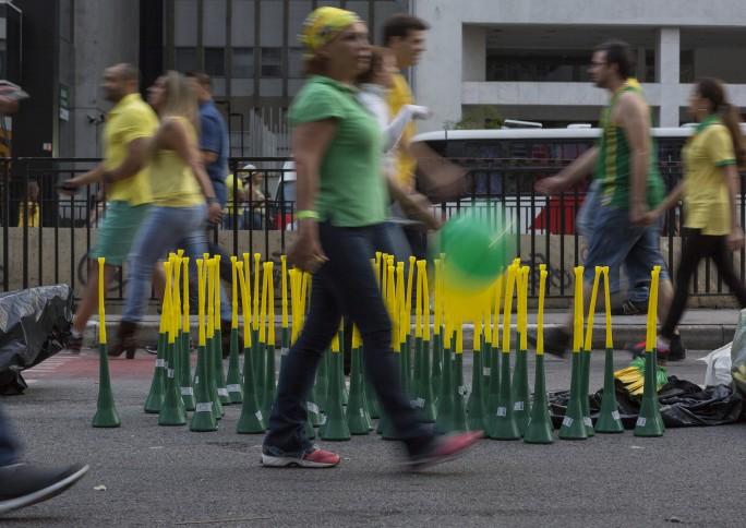 """""""O futebol expressa dilemas e contradições da sociedade"""", diz pesquisador Flávio de Campos"""
