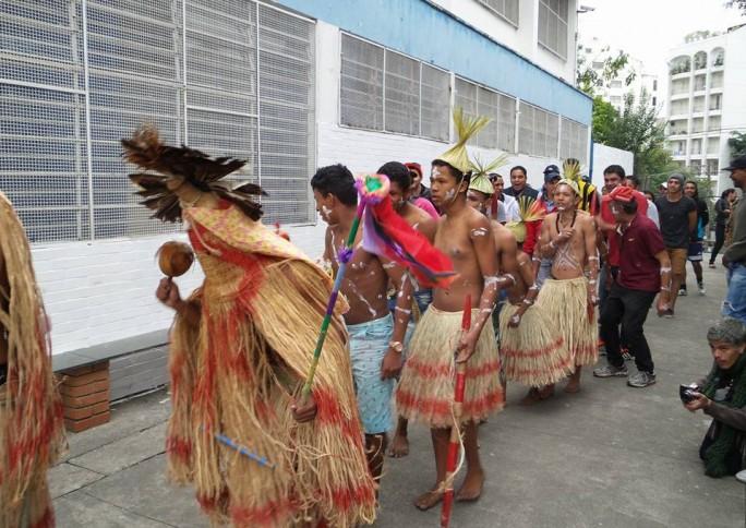 Contra invisibilidade da população indígena, educador Leno Vidal propõe ligação entre arte e território