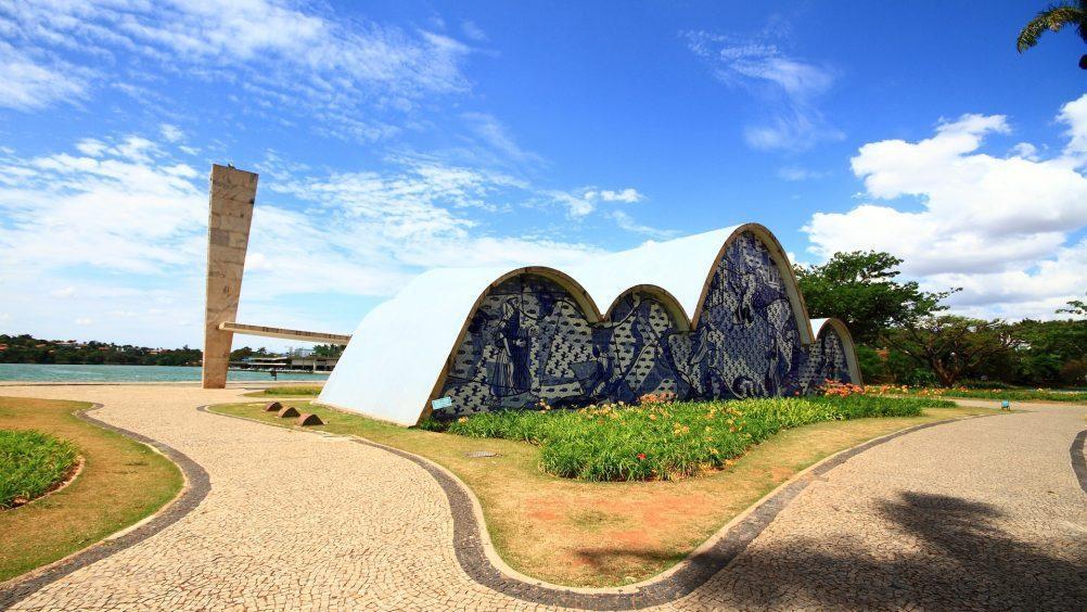 pampulha-arquitetura-modernismo-oscar-niemeyer-unesco-1002x564-1