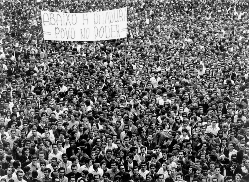 passeata de cem mil pessoas contra a ditadura