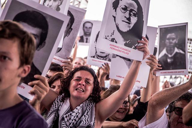 manifestação cinquenta anos de ditadura