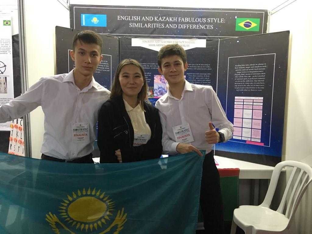 jovens do cazaquistão apresentam projeto