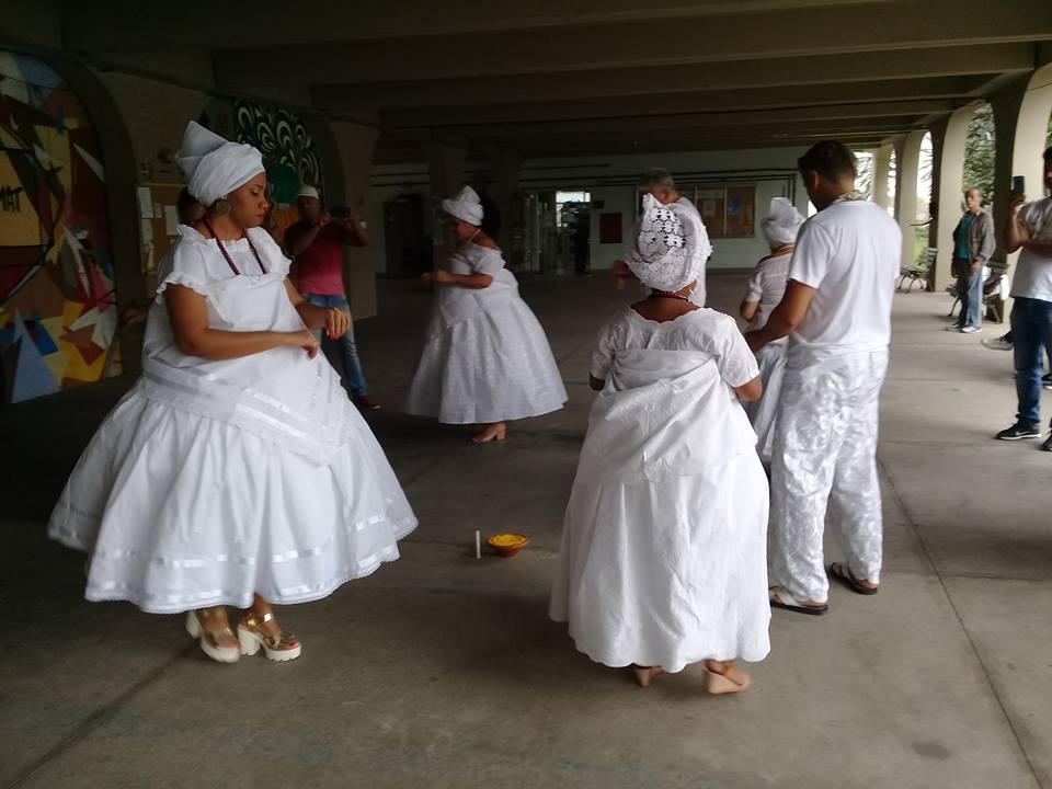 baianas em celebração religiosa afro-brasileira