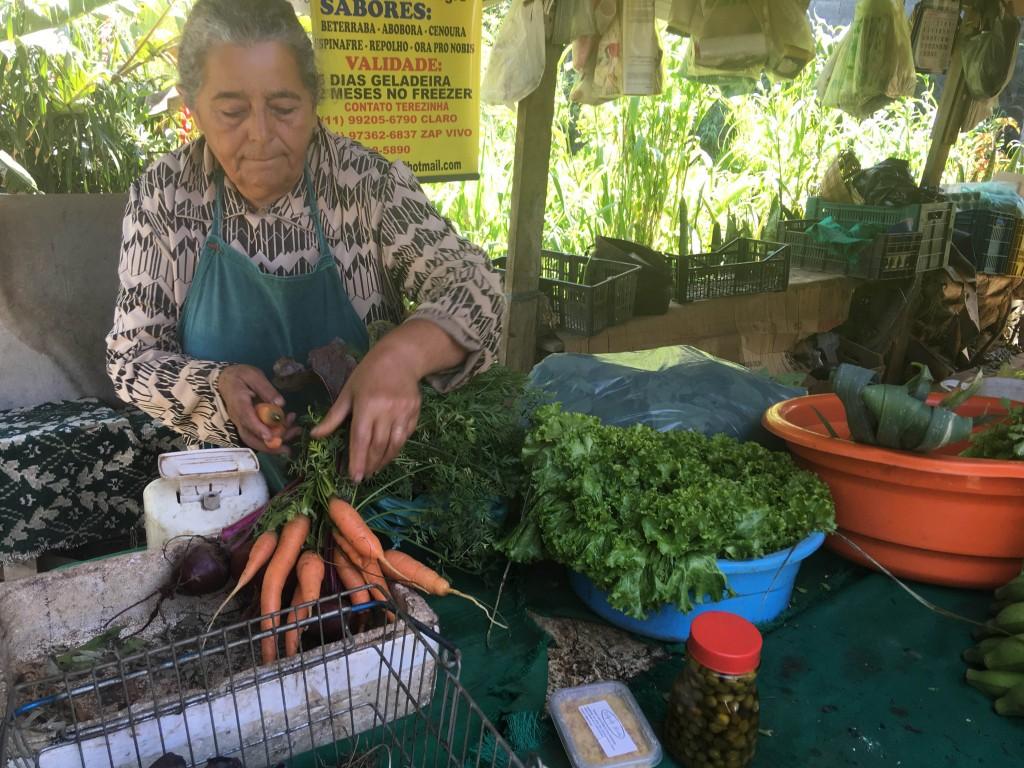 dona sebastiana vende hortaliças em são mateus