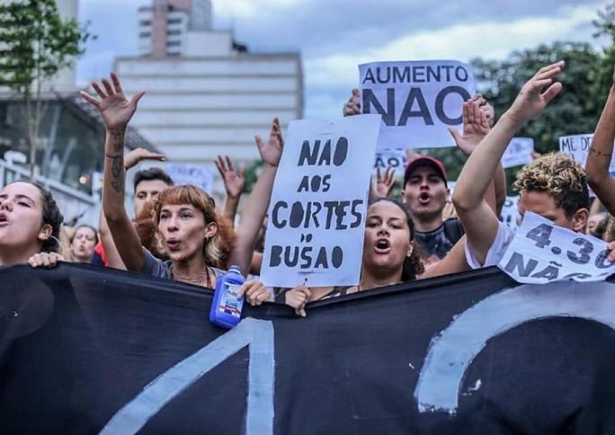 O que está por trás do aumento da tarifa de ônibus em São Paulo?