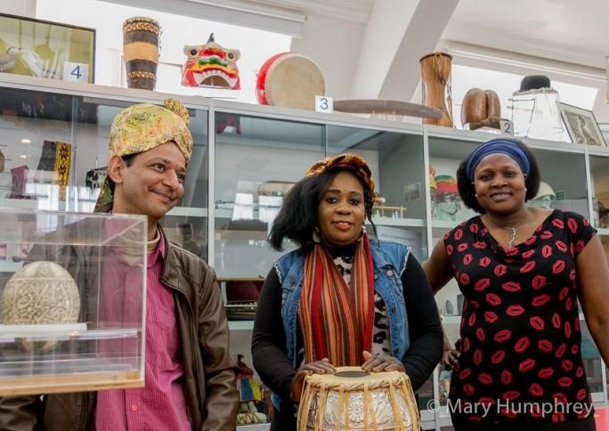 Museus e organizações compartilham ações que visibilizam imigrantes do território