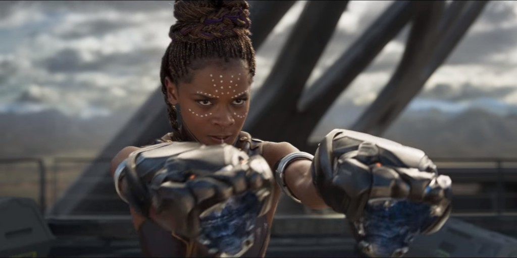 personagem shuri do filme plack panther