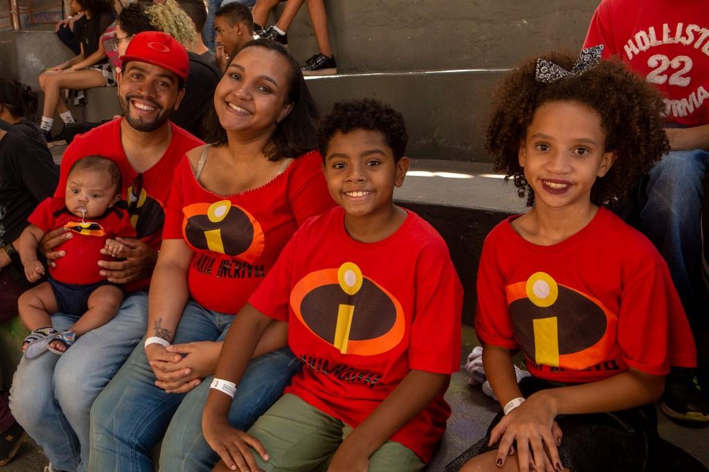família dos incríveis na perifacon