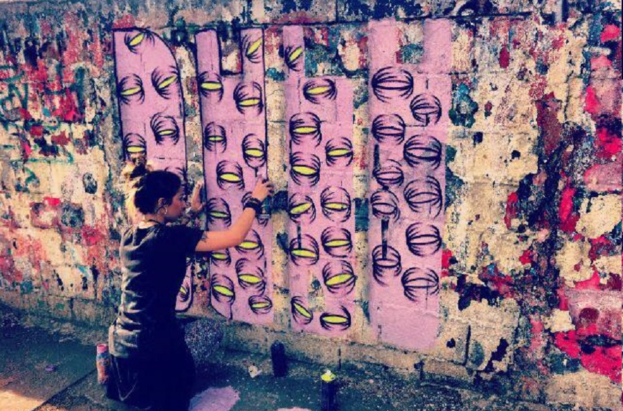 bruna muniz faz grafite de olhos na vila guapira