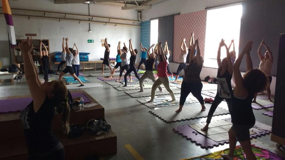 clínica pública de psicanálise e yoga